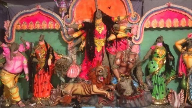 খুলনায় সাম্প্রদায়িক সহিংসতা: ৪টি মন্দির ও সংখ্যালঘুদের বাড়ি-ঘর, দোকান ভাংচুর